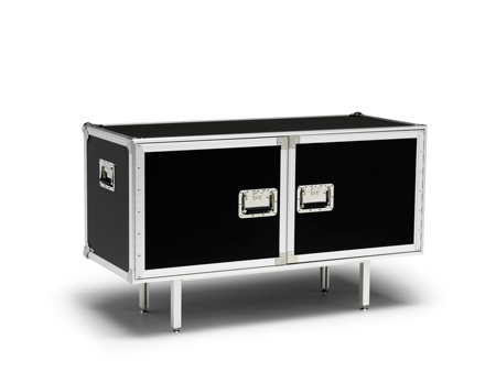 Successful Living de Diesel, para Moroso y Foscarini total-flightcase_b_02class=