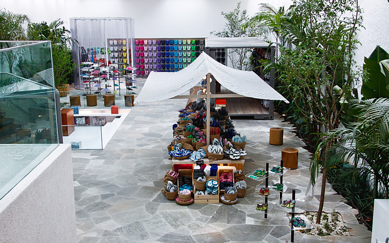 Havaianas São Paulo primera tienda Isay Weinfeld 5class=