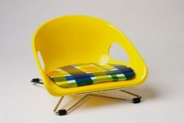 Sit down en el v a museum recorre la historia del dise o for Silla infantil diseno