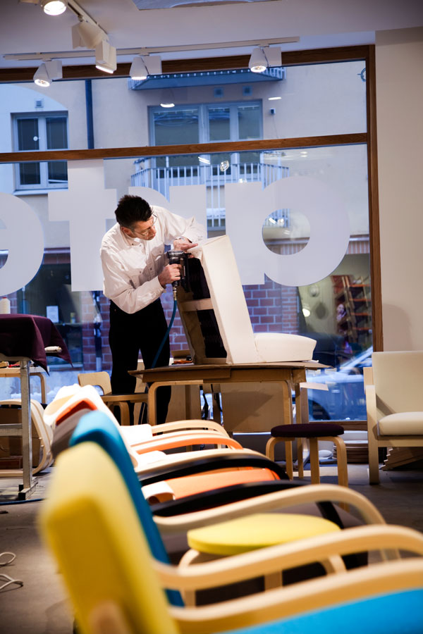 Artek Dress The Chair : Mobiliario artek años de calidad finlandesa