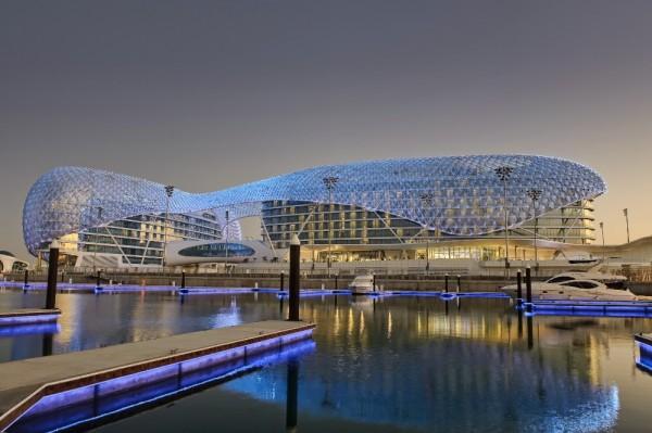 Archdaily escoge el mejor edificio del mundo for Asymptote architecture yas hotel