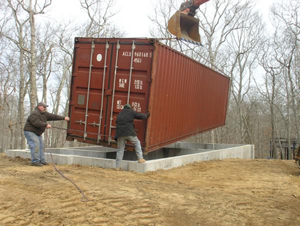 El estudio de un artista en Nueva York, hecho con containers de carga.