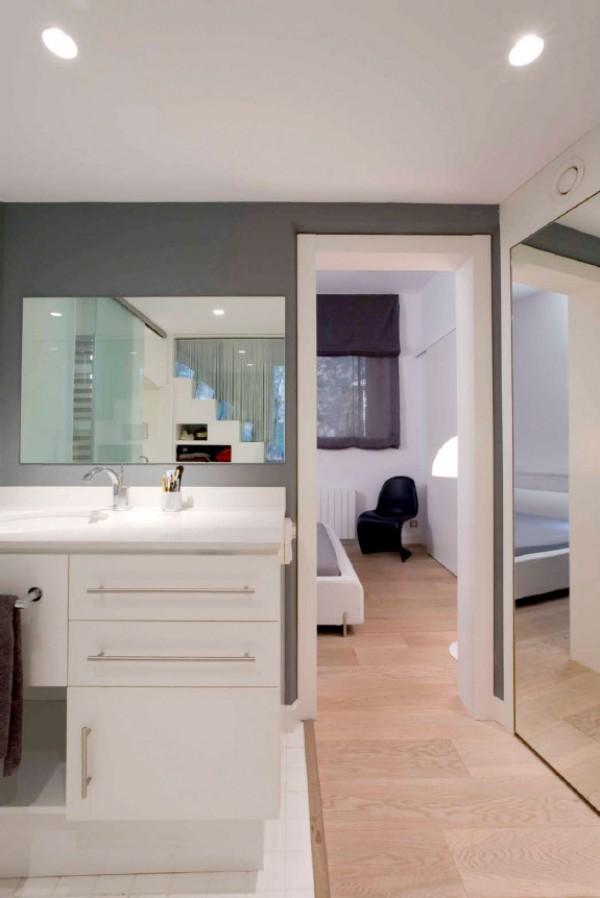 Redise o de un piso del siglo xix en barcelona por miel for Pisos reformados modernos