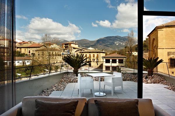 Hotel viura en la rioja alavesa para disfrutar del dise o for Hotel viura