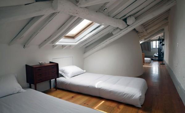 Pens o favorita en oporto con interiores de sam baron - Habitaciones en buhardillas ...