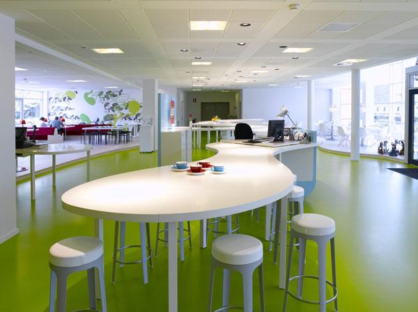 Classroom Furniture Arrangement ~ Oficinas de lego en dinamarca diseñadas por bosch fjord