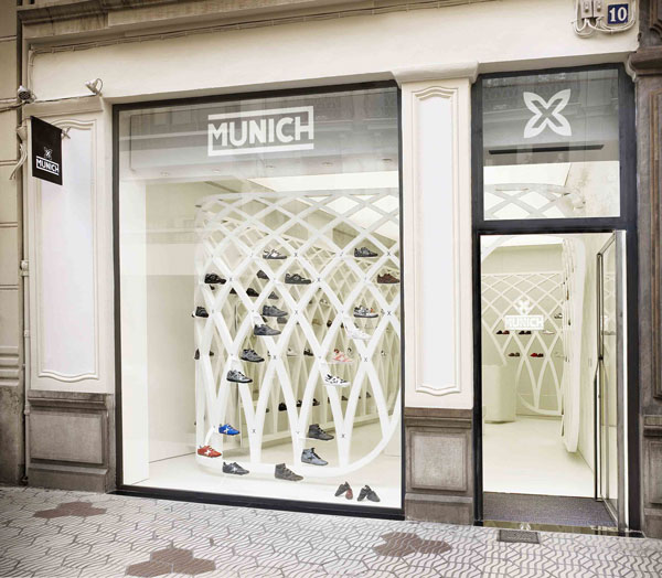 stunning tras with tiendas munich barcelona