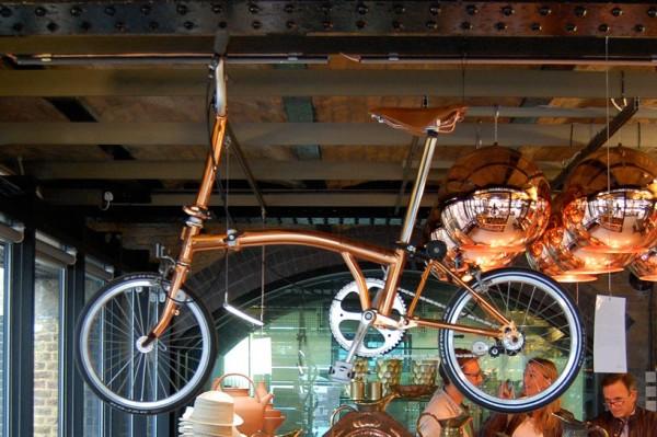 Brompton Bicycle de tom dixon de cobre diariodesign