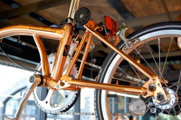 Tom Dixon diseña una bicicleta de cobre para Brompton