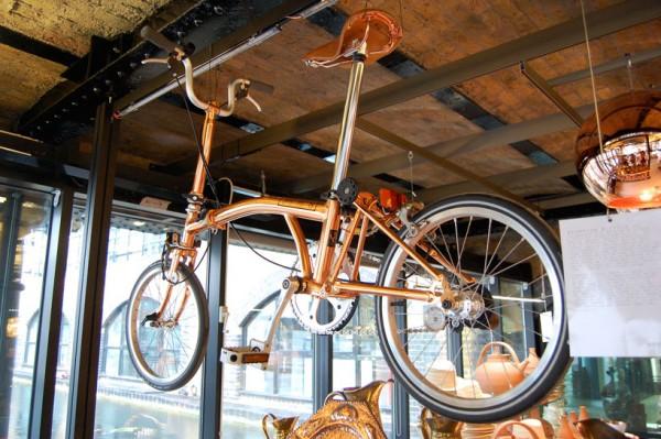 Brompton Bicycle Tom Dixon diseña una bicicleta de cobre diariodesign