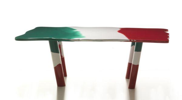 mesa Sessantuna patriotico proyecto de Gaetano Pesce
