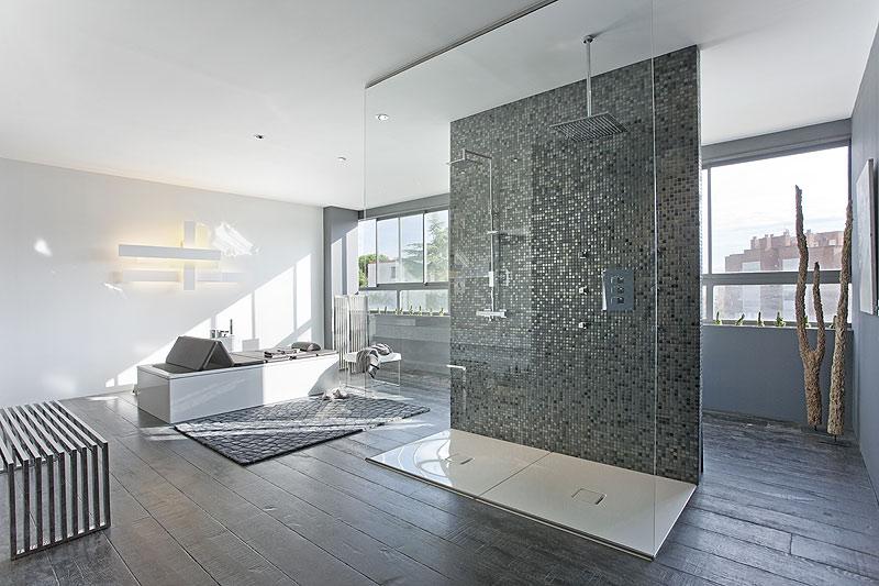 Casadecor barcelona abre sus puertas hasta el pr ximo 8 de for Imagenes de interiores de casas minimalistas