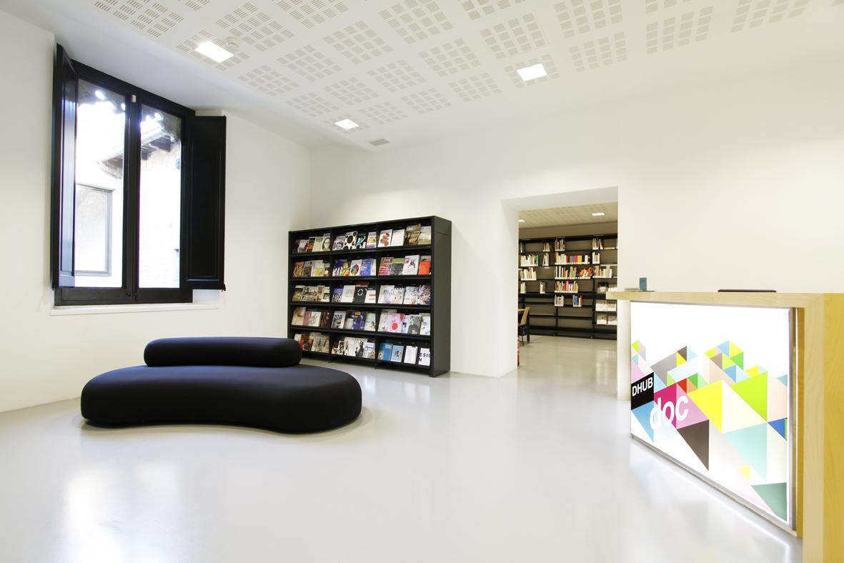 DHUBdoc, biblioteca en Barcelona especializada en diseño.