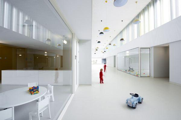 Escuela dise ada por javier larraz en pamplona for Aulas web arquitectura