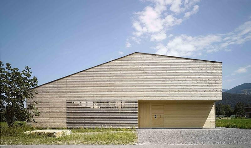 Una moderna y m nimal casa austr aca en el campo for Casa moderna a dos aguas