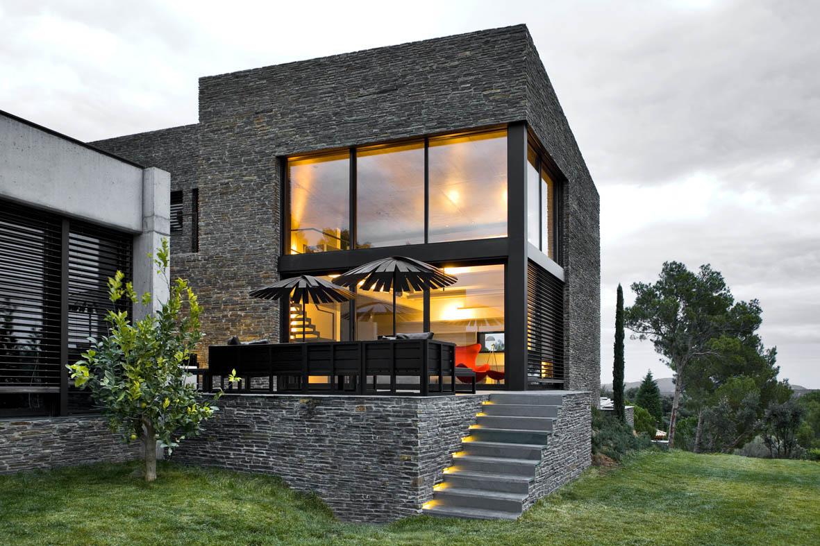 Casa en mont r s girona una mas a moderna para el for Casa moderna jardin d el menzah