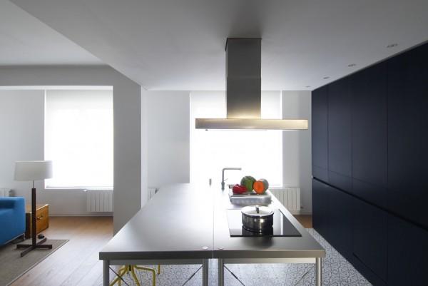 Rehabilitaci n de un piso en pamplona por el arquitecto for Salones integrados cocina