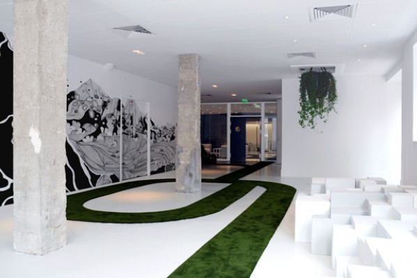 Oficinas de jwt en par s una agencia de publicidad poco for Interior design for advertising agency