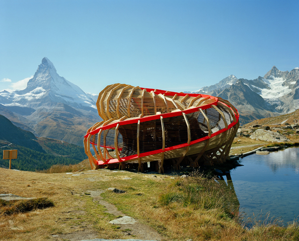 Evolver experiencia arquitect nica en los alpes suizos for Alpes archi