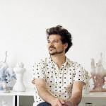 Jaime Hayón en su estudio. Fotografía en ABC.