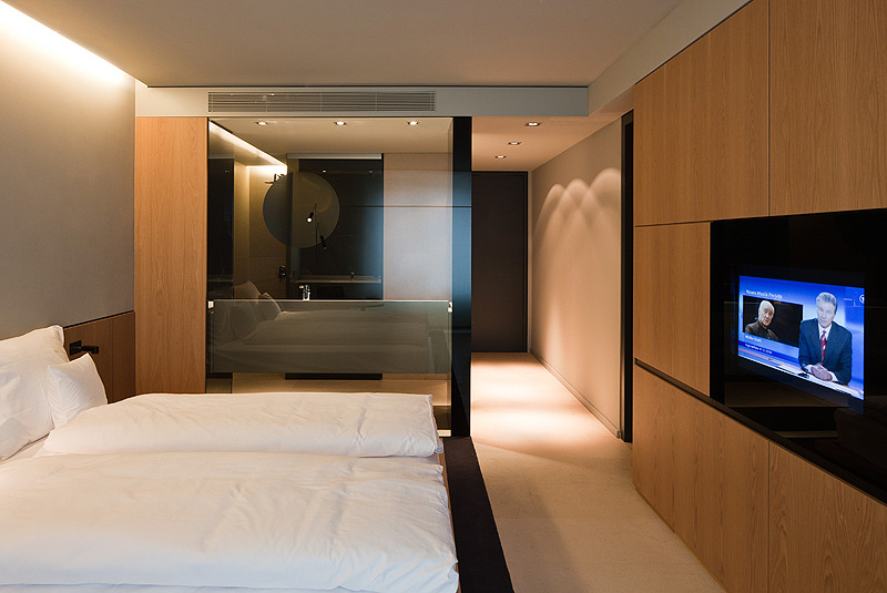 hotel sana en el centro de berl n elegancia y sobriedad definen el nuevo trabajo de francesc. Black Bedroom Furniture Sets. Home Design Ideas