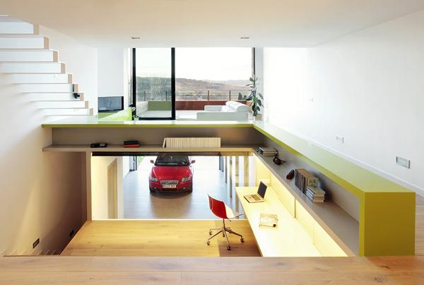 La casa escalonada un proyecto magistral de 05 am for Casas estrechas y alargadas