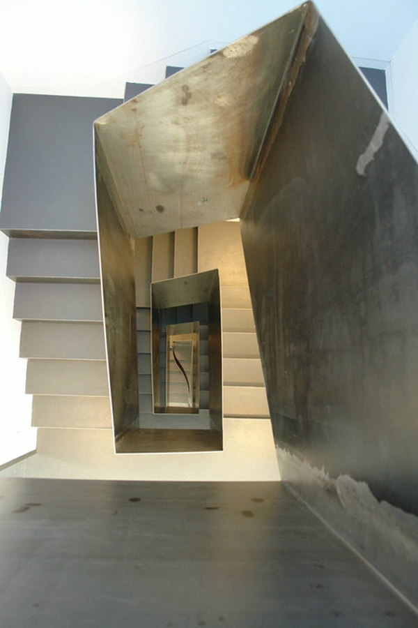 escalera hotel Moure en santiago de compostela diariodesign