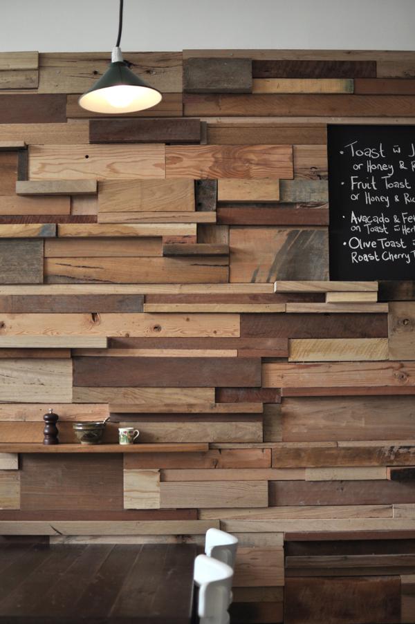 Slowpoke caf de sasufi en melbourne atm sfera acogedora - Muro de madera ...
