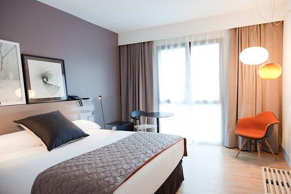 Dise o y aires modernistas en la renovaci n del hotel for Hoteles barcelona habitaciones cuadruples