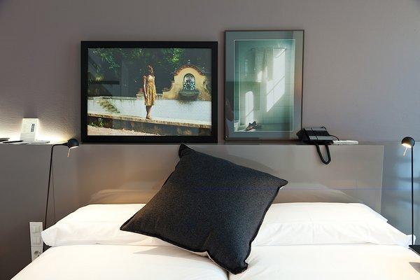 Dise o y aires modernistas en la renovaci n del hotel - Diseno de una habitacion ...