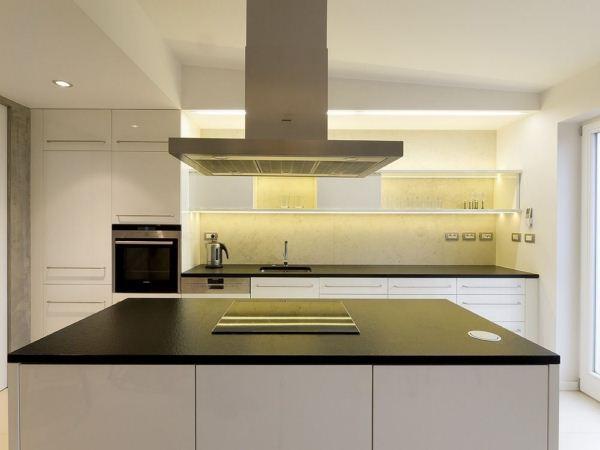 Rounded Loft en Praga de A1 architects cocina diariodesign