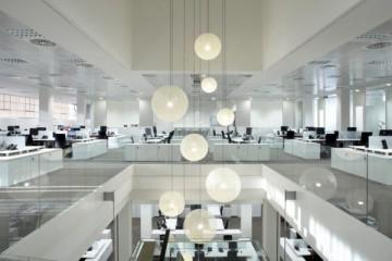 Reforma de oficinas en el ensanche barcelon s basada en la luminosidad y la transparencia - Oficina central de correos barcelona ...