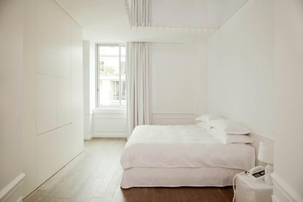Maison martin margiela redefine las reglas de dise o en el hotel maison champs elys es - Couleur de rideau avec mur blanc ...