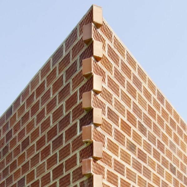 Cellular Concrete House Building For : Casa low cost de h arquitectes en gualba un ejercicio