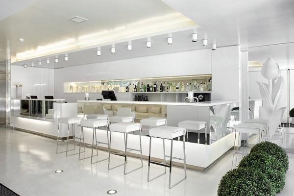 Hotel the mirror de gca arquitectos asociados reflejos for Fachadas hoteles minimalistas