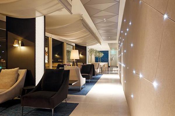 Inaugurada la sala vip de qatar airways en heathrow el for Hoteles diseno paris