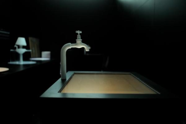Sue an los grifos roca barcelona gallery acoge una for Grifo lavabo vintage