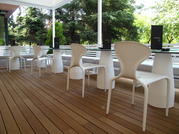 terraza Restaurante Lateral Castellana 42 en madrid