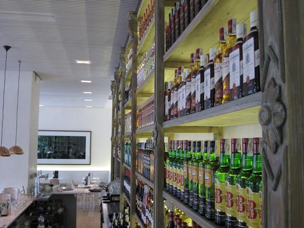 barra restaurante Lateral Castellana 42 en madrid