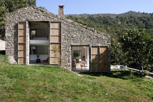 Arquitectura rural baton transforma un establo de - Rehabilitacion casas rurales ...