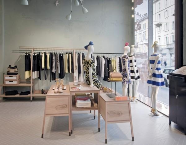 Ciszak dalmas crea un universo minimalista de madera para for Tiendas muebles minimalistas