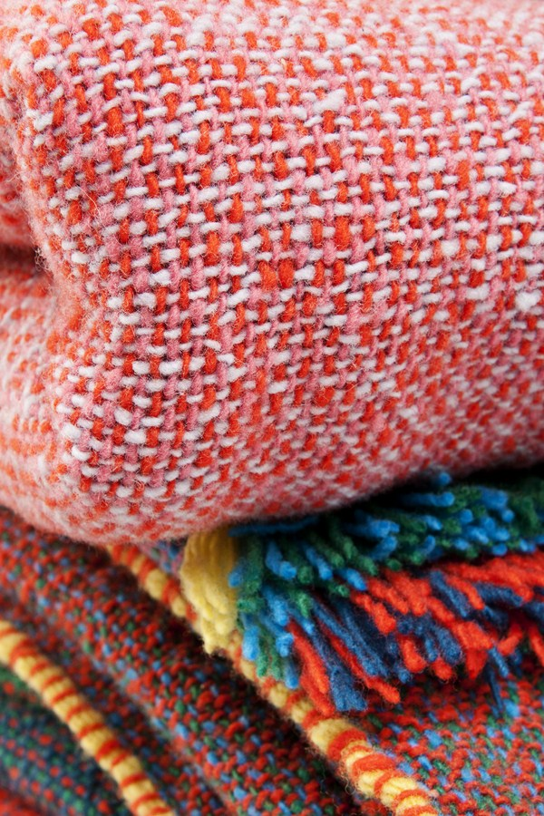 Especial i saloni 2012 textiles y mobiliario 39 made in for Cristian zuzunaga