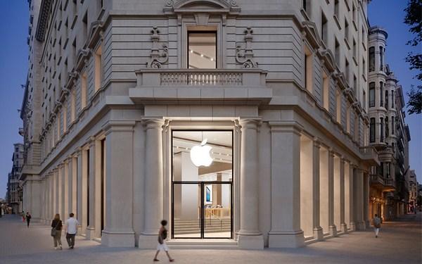 apple store en barelona fachada paseo de gracia diariodesign