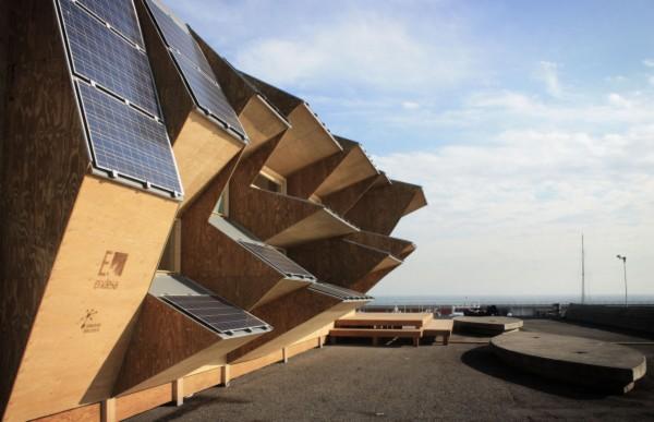 El pabell n endesa en barcelona un prototipo de casa solar con fachada inteligente - Oficinas de endesa en barcelona ...
