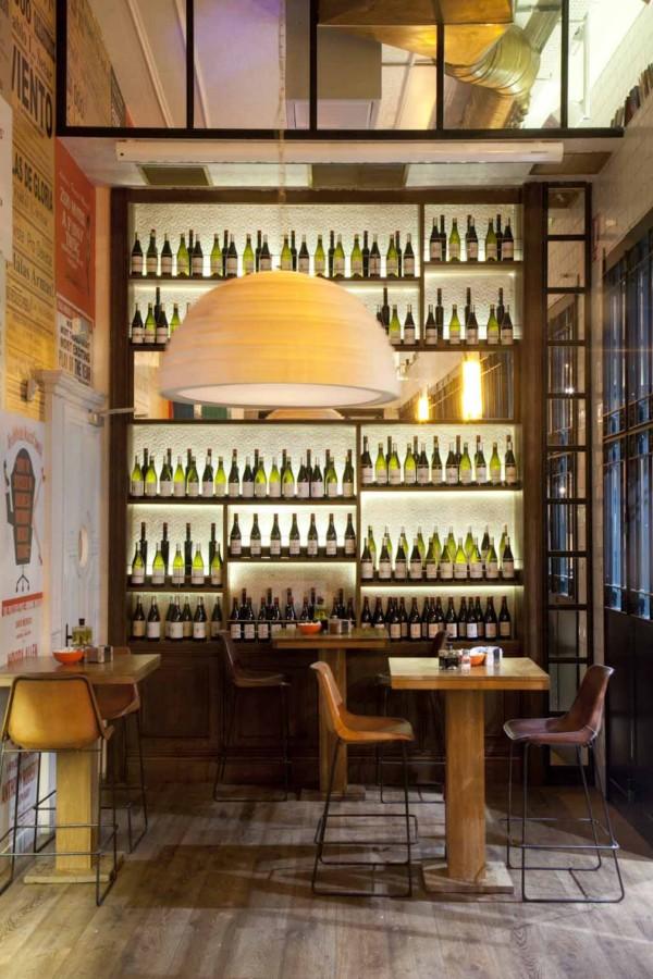 cinco ambientes en el restaurante casa mono en madrid