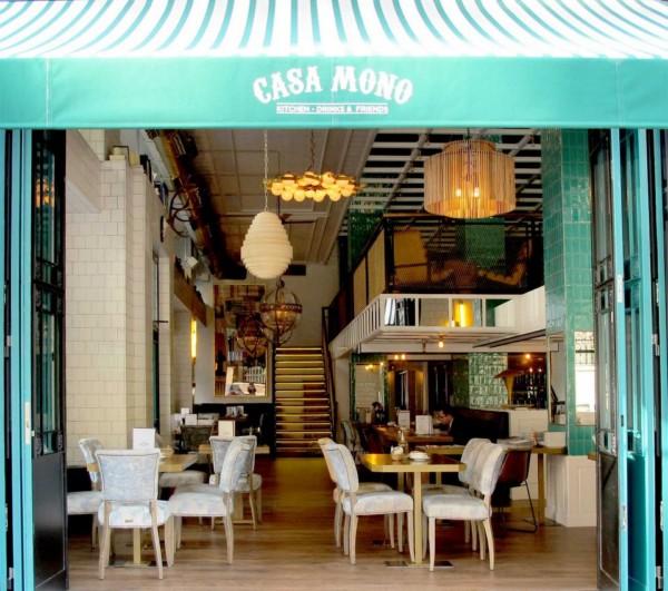 entrada restaurante casa mono en madrid