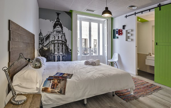 U hostels madrid las experiencias de un hostel con la for Room decor ideas in hostel