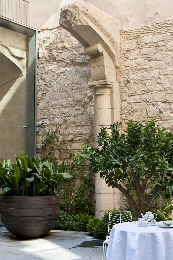 monumento Mercer hotel barcelona arquitecto rafael moneo diariodesign