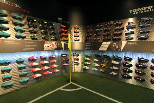 interior tienda deportes futbolmania