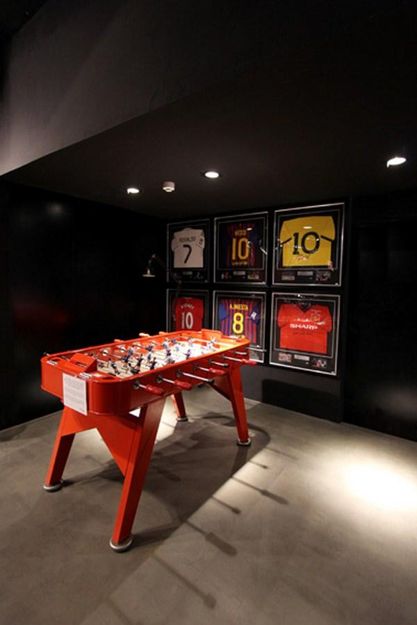 interior tienda futbol futbolmania en barcelona